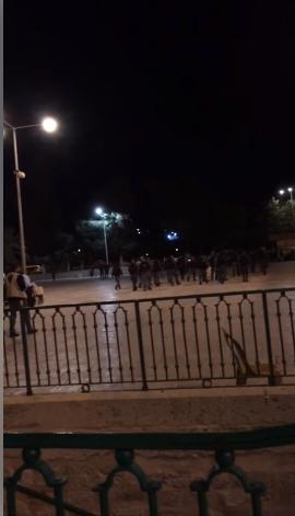 هذا ما كان الليلة الماضية خلال اخراج المصلين من المسجد الأقصى
