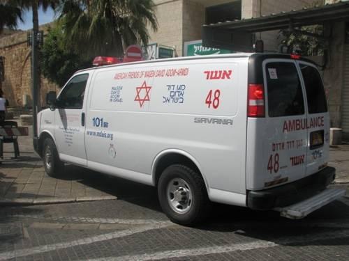 سقوط عامل عن ارتفاع خلال عمله بورشة بناء في تل ابيب