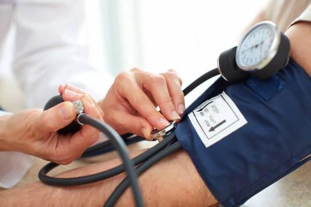 مجادلة للشمس: 20 ألف مواطن تحت جيل الـ 20 عامًا في البلاد يعانون من مرض ضغط الدم