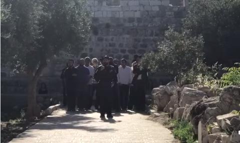 شاهد: اقتحام عشرات المستوطنين للمسجد الأقصى وسط تكبيرات نسائية