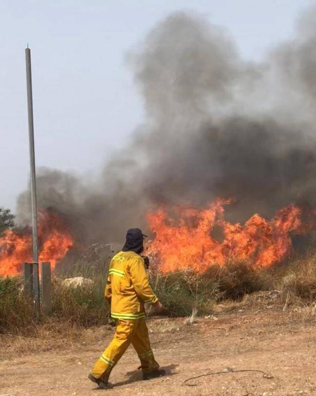 اسرائيل تستعد للتوجه لمساعده جويه من الخارج بمحاوله للسيطره على الحرائق