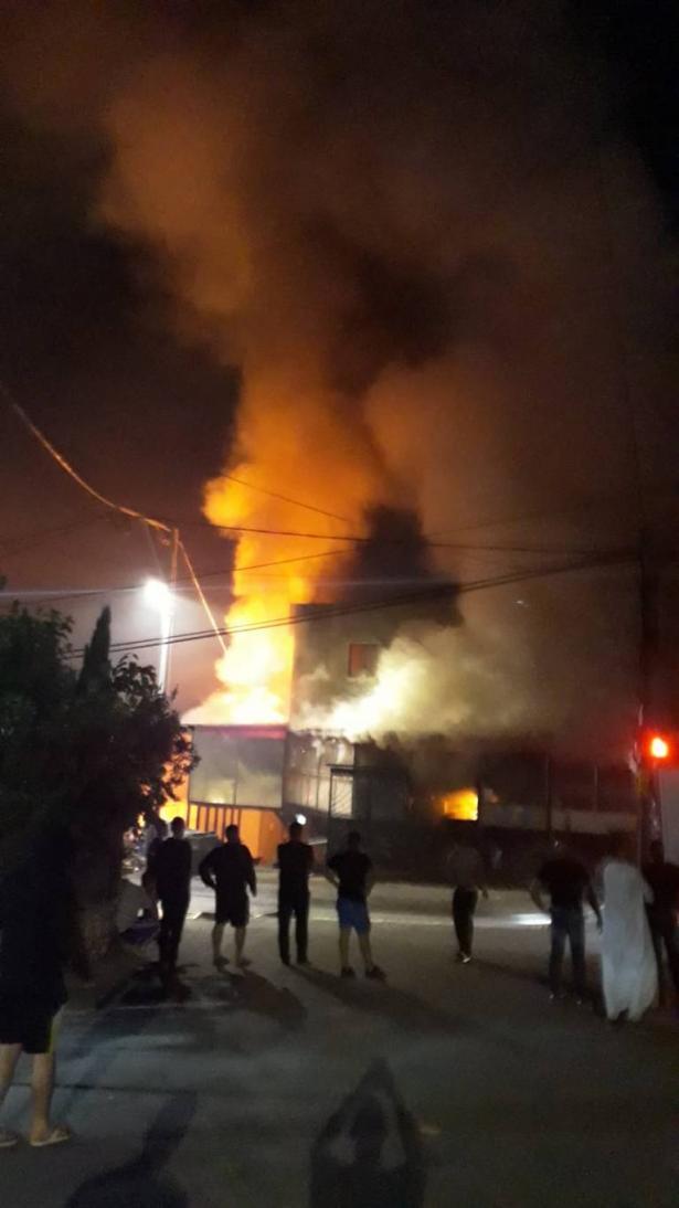 اندلاع حريق  بمبنى في طمرة