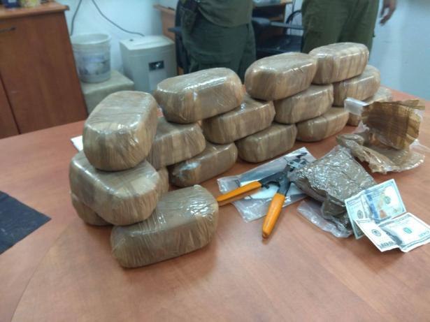 احباط تهريب 13 كيلو مخدرات على الحدود اللبنانية واعتقال مشتبهين من ابو سنان
