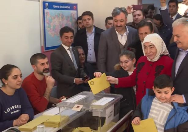 قرار إعادة الاقتراع في إسطنبول يثير انتقادات واسعة، اسماعيل كايا يتحدث للشمس