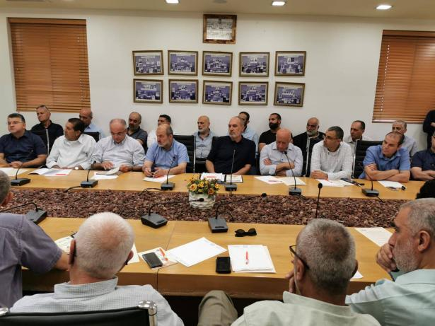 قرارات هامة وتوصيات عملية يخرج بها اجتماع اللجنة القطرية لمواجهة قضية العنف في المجتمع العربي