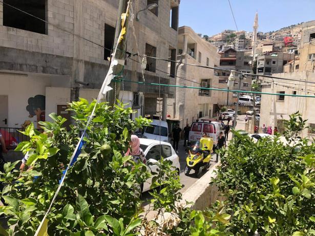 اصابة خطرة لعامل جراء سقوط جسم ثقيل عليه في دير الاسد