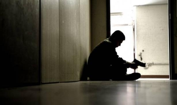 حقيقة مسلسل ساهم في ارتفاع الإنتحار لدى مراهقي أمريكا