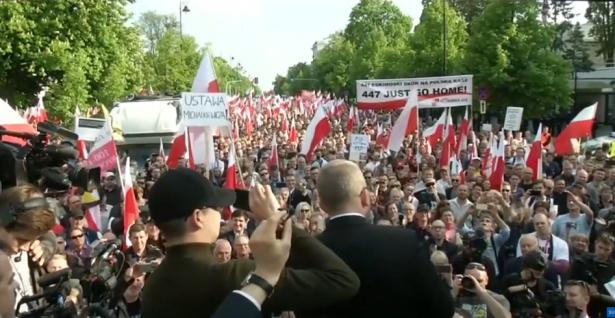 بولندا تلغي زيارة وفد إسرائيلي كان سيبحث استعادة الممتلكات اليهودية