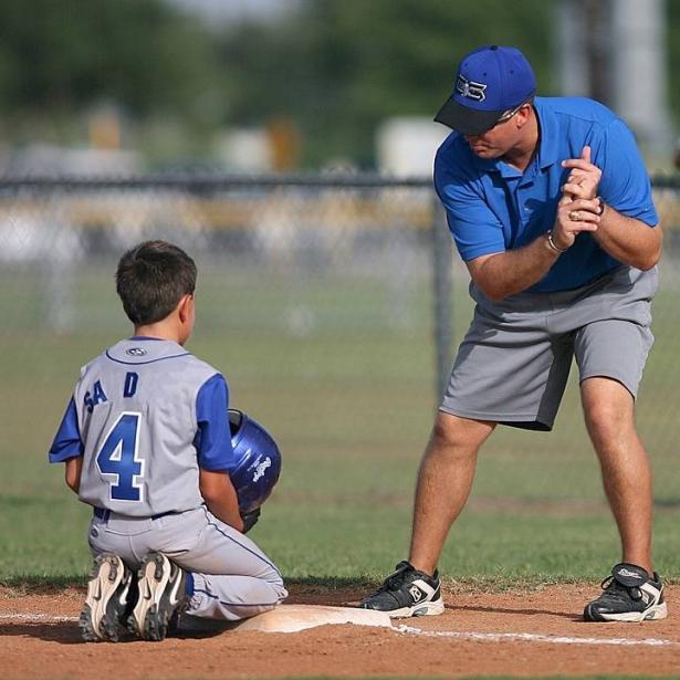 كيفية مساعدة الأطفال الذين يكرهون الرياضة على البقاء نشطين ومناسبين