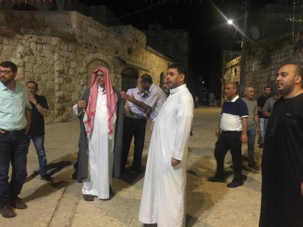 محاولات لاحزاب يمينية  في اللد لاسكان الأذان، الشيخ الباز يتحدث للشمس