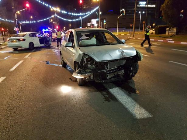 ضبط سائق ثمل من نتانيا يتسبب بحادث بعد أن قاد بتهور وعرّض حياة السائقين للخطر