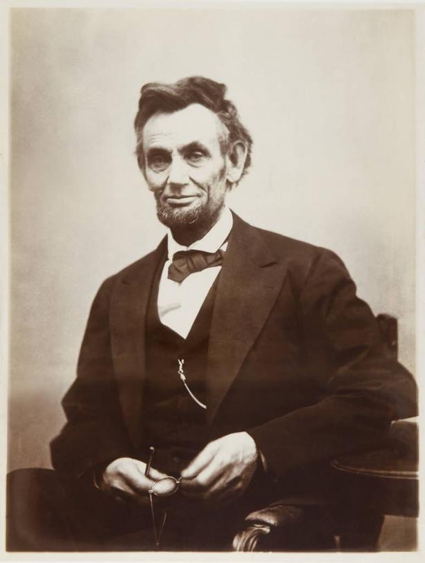افتتاحية الشمس في اسبوع – لنكولن ومميزات القائد الناجح
