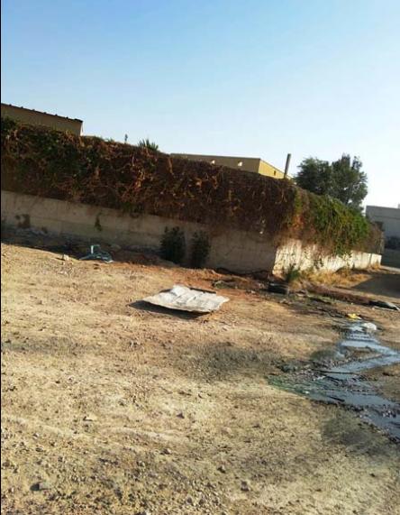 ابو عايش للشمس: أطفالنا يعانون وجود افاعي وتدفق مياه الصرف بجانب روضاتهم
