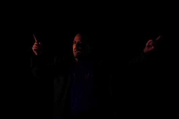 الفنان عامر حليحل مرشح لجائزة أفضل ممثل مسرحيّ في أستراليا