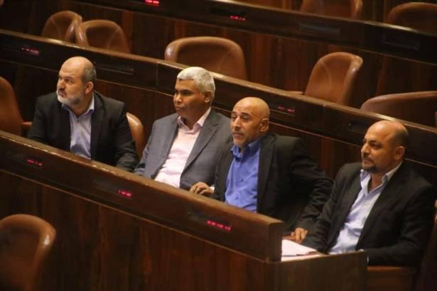 القائمة العربية الموحدة تنفي وجود أي اتفاق مع الليكود أو نتنياهو، وغنايم يتحدث للشمس