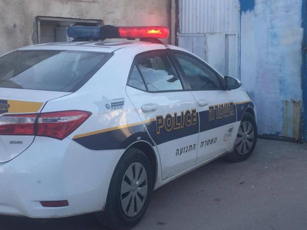 اللد: القاء قنبلة على مركبة مواطن في الحي العربي في اللد