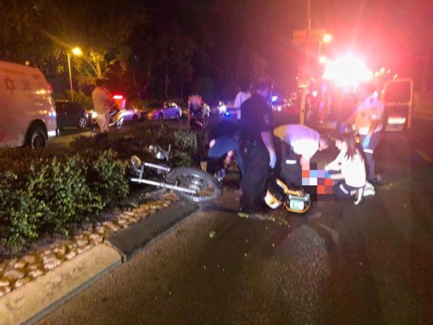 اصابة سائق دراجة نارية بصورة حرجة جراء حادث مروع في حولون