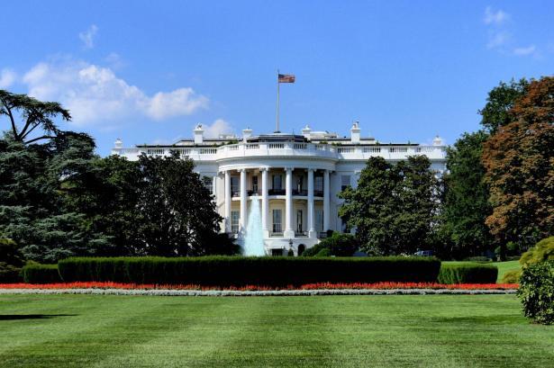 نزال للشمس: دعوة الصحافيين الفلسطينيين للبيت الأبيض محاولة امريكية ليكونوا مفتاحًا لترويج الأفكار الأمريكية ومخططاتها