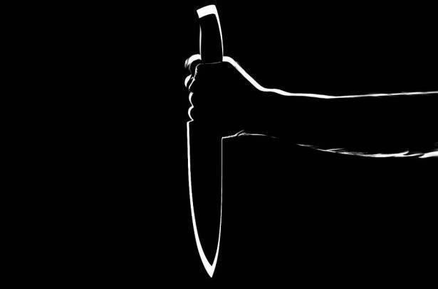 لائحة اتهام ضد قاصر (16 عامًا) من جسر الزرقاء بعد طعنه شخصين