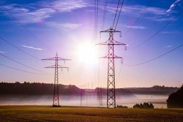 كبها للشمس: منعت شركة الكهرباء من نصب اعمدة بأرضي ببرطعة بعد ان كادت تستولي عليها