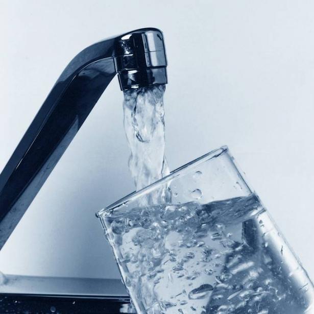 عريان للشمس: ليس هناك مهنيون يعملون على مراقبة جودة مياه الشرب وهذه كارثة
