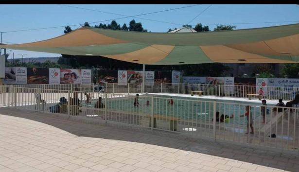 الطيبة: تدهور صحة الطفلة التي غرقت امس في بركة المسبح البلدي