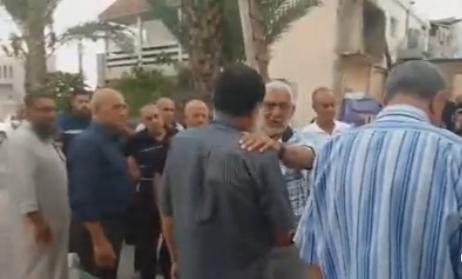 شاهد: عائلة المشتبه بقتل زوجته أمينة فرحات من مجد الكروم تعتذر لعائلتها
