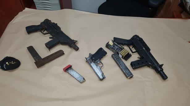 العثور على أسلحة غير قانونية في الطيبة
