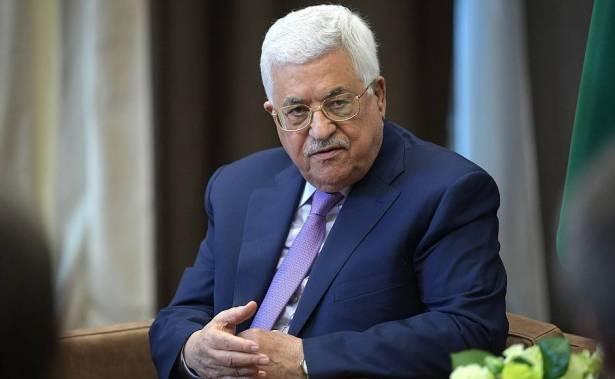 لماذا أقدم عباس على إقالة مستشاريه؟ جهاد حرب يكشف للشمس الأسباب المحتملة