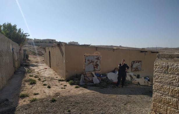 وفاة وليد بدوي من الضفة في مبنى سكني في عرعرة النقب والخلفية غامضة