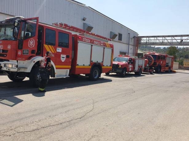 نحف: حريق كبير بالقرب من المنازل واخلائها من السكان خشية انتشار الحريق
