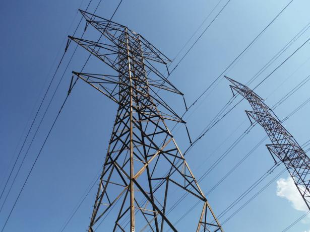 ابو مديغم للشمس: انقطاع الكهرباء بحارة 25 برهط يسبب لنا معاناة، هناك مرضى بحاجة لأجهزة طبية ومحال تجارية فسدت بضاعتها