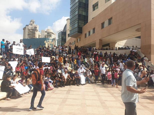 فايز ابو صهيبان يعلن انضمام 27000 طالب من رهط لإضراب طلاب القرى غير المعترف بها