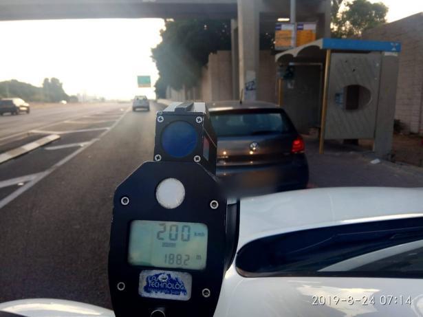 ضبط سائق من حيفا بسرعة 200 كلم على شارع 2