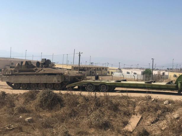 آفي بنياهو يكشف للشمس حقيقة التفسير الاسرائيلي لإصابة مركبة من قبل حزب الله: