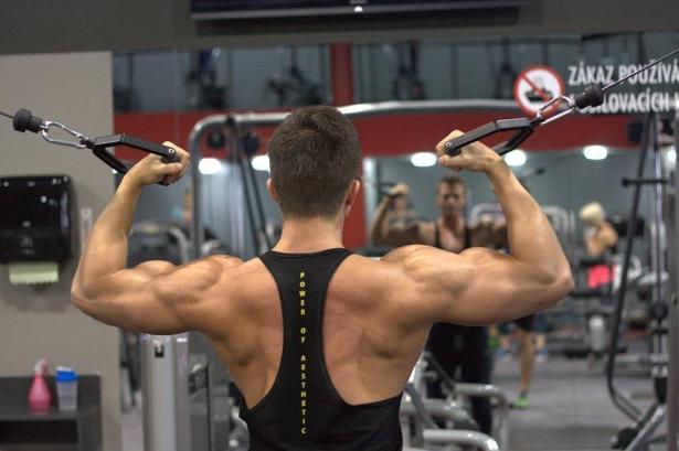 أضرار لا تعرفها عن مكملات الهورمونات التي يستخدمها الرياضيون لبناء العضلات