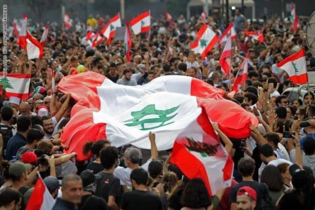 لبنان: سلسلة بشرية تمتد على طول الدولة من الجنوب الى الشمال