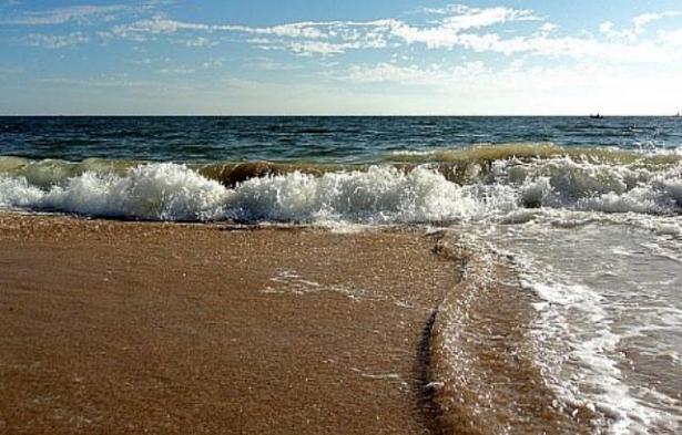 منع السباحة في شاطئ الزيب في نهاريّا، خشية التلوث