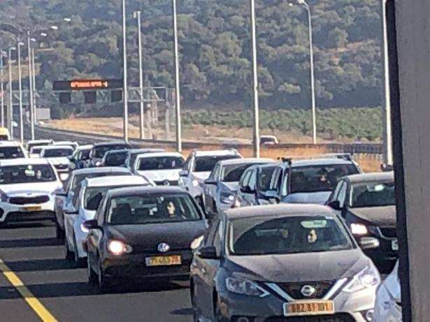 محمد بركة للشمس: تجاوب منقطع النظير في قافلة السيارات