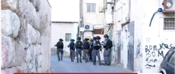 محمود فايز للشمس: أضربنا بسبب اقتحامات الشرطة لمدارس العيساوية واعتدائها على الطلاب