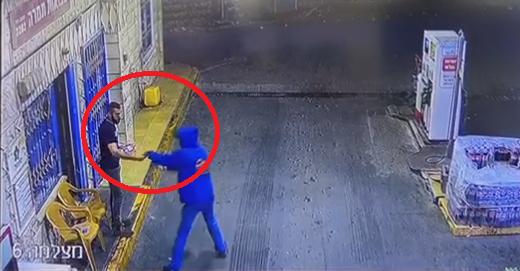 شاهد: توثيق لعملية سطو في طمرة على محطة وقود الليلة الماضية