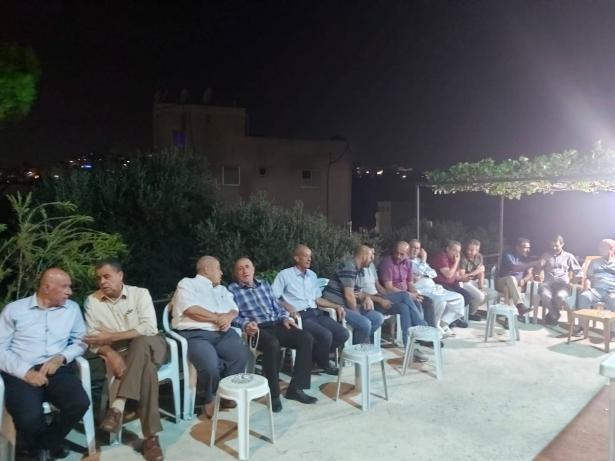 مجلس كفركنا واللجنة الشعبية في زيارة لعائلة الشهيد محمد غالب خمايسي