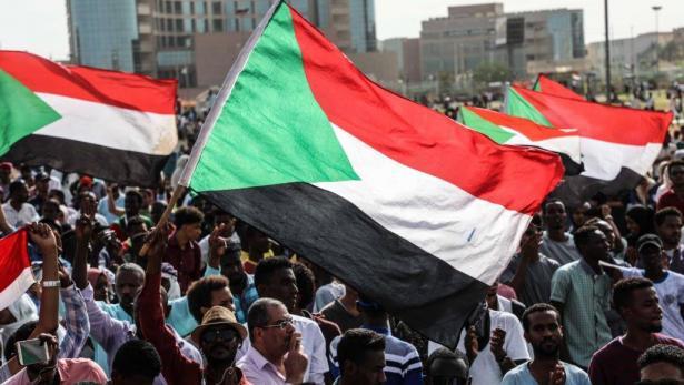 الحكومة السودانية تعلن وقف شامل لإطلاق النار في جميع أنحاء البلاد