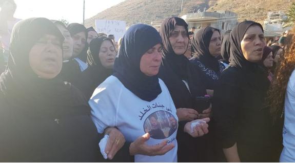 والدة الشابين المرحومين احمد وخليل منّاع من مجد الكروم تبكي ابنيها عبر اثير الشمس في حوار مؤلم
