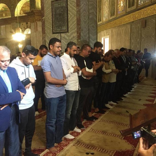 زيارة اعضاء من ادارة المنتخب السعودي للمسجد الاقصى