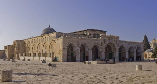 3 مجموعات من المتدينين اليهود بقيادة ثلاثة من المتطرفين اليهود تقتحم المسجد الأقصى امس