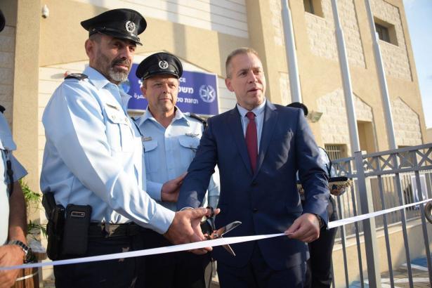 افتتاح مركز شرطة في طمرة بحضور وزير الأمن اردان