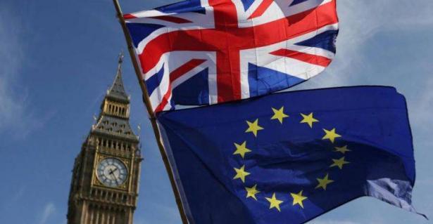 الاتحاد الأوروبي وبريطانيا: العمل على خروج بريطانيا بشكل منظم من التكتل