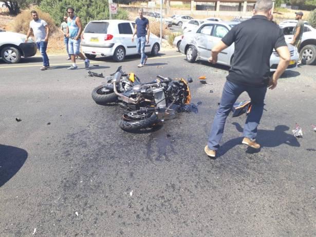 اصابة خطيرة لشاب جراء حادث طرق في تل أبيب