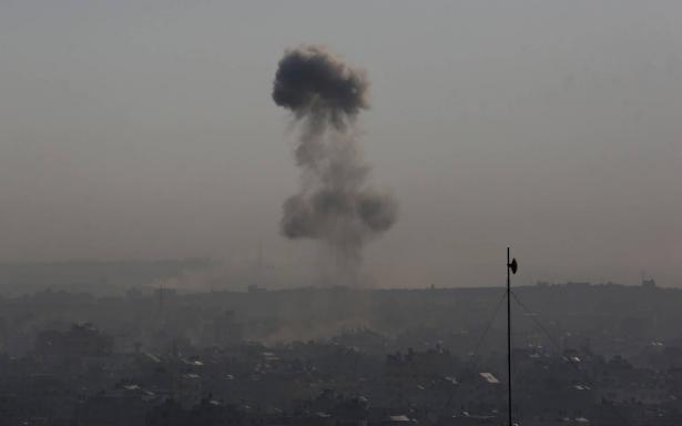 رغم التهدئة: قصف اسرائيلي على غزة، الجيش الإسرائيلي: هذا ردنا على إطلاق 10 صواريخ من غزة